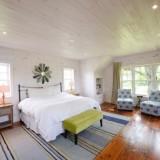 โชว์เคส งานรีโนเวทห้องนอนบ้านไม้สวยๆ สไตล์คอนเทมโพรารี